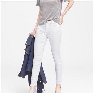 New! Banana Republic Lily White Jeans - 25